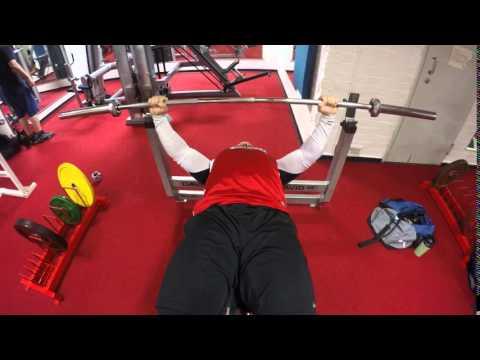 Alaviisto penkkipunnerrus - Decline Bench press